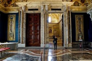 The interior. The palace has been the residence of 30 popes, 4 kings, and 12 presidents.